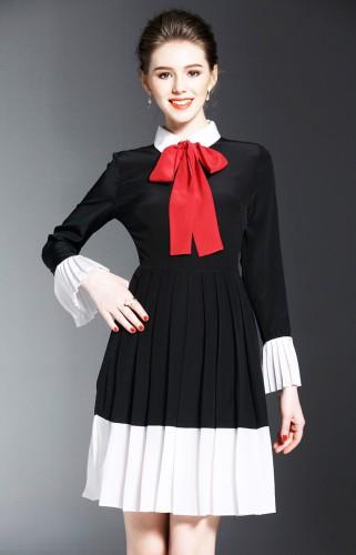 Juoda šilkinė suknelė su raudona kaklaskare S (VIN1035_1)