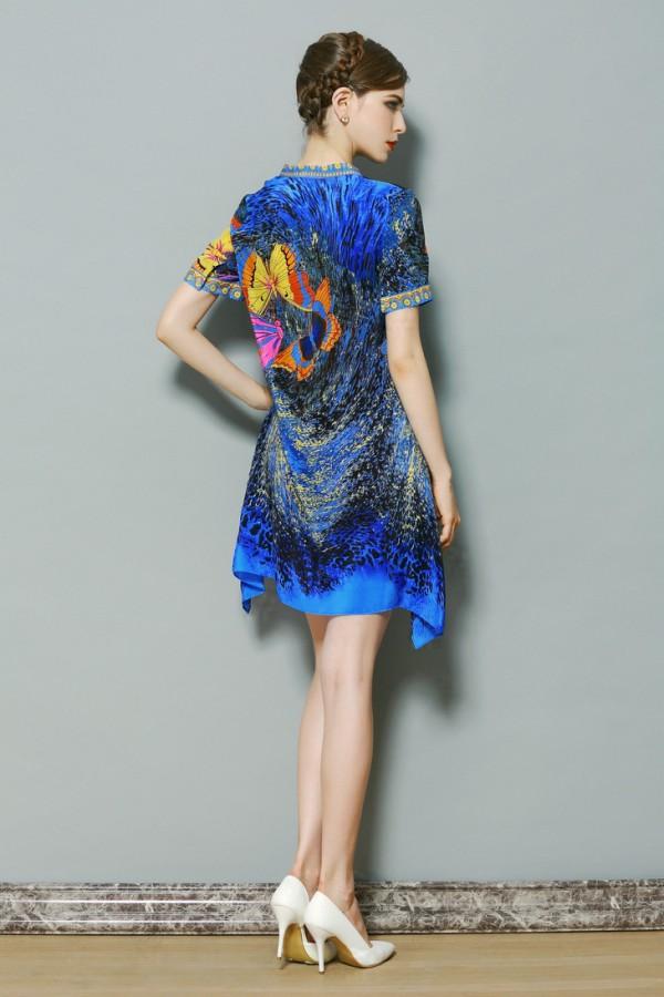 Šilkinė mėlynos spalvos suknelė su drugeliais (VIN1049)