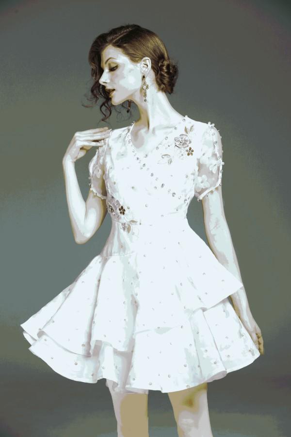 Balta gėlėta, siuvinėta, pastelinių spalvų suknelė puošta karoliukais S  (VIN1325_1)