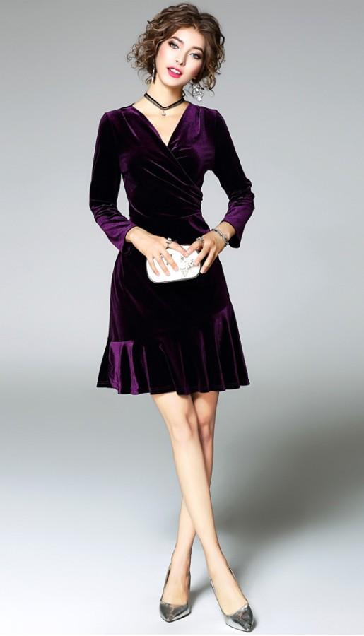 Violetinės spalvos aksominė suknelė L-XL  (VIN1185_1)